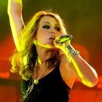 Miley-Cyrus-to-kick-off-international-tour.jpg