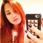 1320689340_demi-lovato-red-hair-467_large.jpg