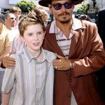 Freddie Highmore és Johnny