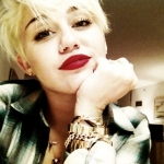487f9_short_hairstyle_Miley-Cyrus-Pixie-Haircut.jpg