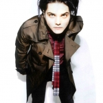 Gerard-Way-Photoshoot-for-Nylon-Guys-Magazine-my-chemical-romance-11229425-548-720.jpg