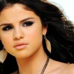 Selenaaa.jpg