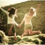 Az igazi jó barát segít szembenézni az igazsággal, és bármi történjék is, mellettünk marad.
