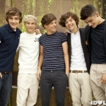 One-Direction-group-shot-400x300.jpg