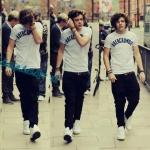 Harry flip your hair..!!