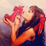 ariana shoes.jpg