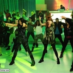bella-thorne-zendaya-coleman-shake-it-up-ttylxox-march-2012-something-to-dance-for-screencaps-bts-pictures-new-9.jpg