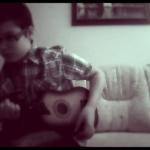 Tesom kicsi gitárjával :)
