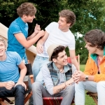 One-Direction-2012-cropped-Live-While-Were-Young-single-art-400x300.jpg