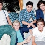 one-direction-The-Official-Annual-2013-one-direction-32588314-1600-1048.jpg