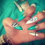 stiletto-aqua-nails-1388419426.jpg