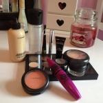 collection-cosmetics-makeup-pink-Favim.com-988336.jpg