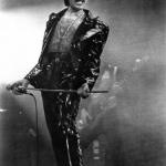Freddie-Mercury-queen-1244995_330_500.jpg