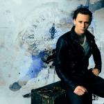 tom_hiddleston_wallpaper_by_helenecolin-d53komr.jpg