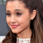 Ariana-Grande-2013-MTV-Movie-Awards-03.jpg