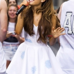 ariana-grande-performs-at-the-today-show-in-new-york_1.jpg