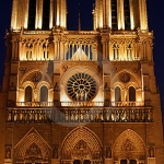 night-scene-notre-dame-paris-france-15431592.jpg