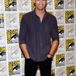 -Divergent-Panels-Comic-Con-2013-Day-1-July-18-2013-theo-james-35307798-2688-3953.jpg