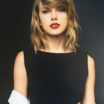 Taylor-Swift-Official-Calendar-2016-016.jpg