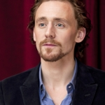 Tom-Hiddleston-tom-hiddleston-27665475-366-512.jpg