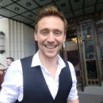 Tom-Hiddleston-tom-hiddleston-30663889-500-375.jpg