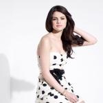 Selena-selena-gomez-13603705-688-916.jpg